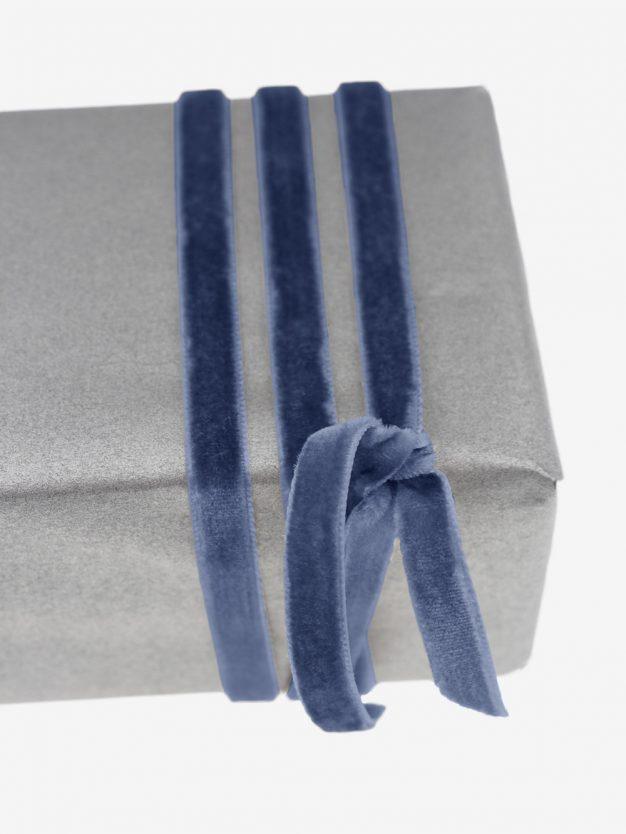 geschenkband-samt-gewebt-graublau-schimmernd-hochwertig