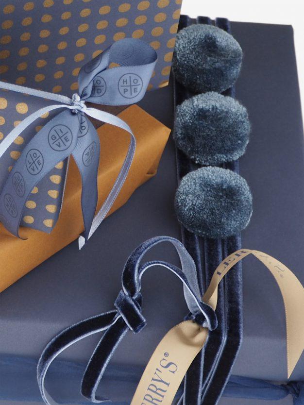 Geschenkpapier; Uni; graublau; dunkelblau;
